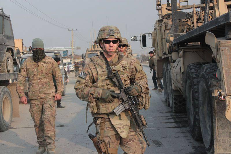 Estados Unidos revisará el programa para reducir la cantidad de tropas en Afganistán.