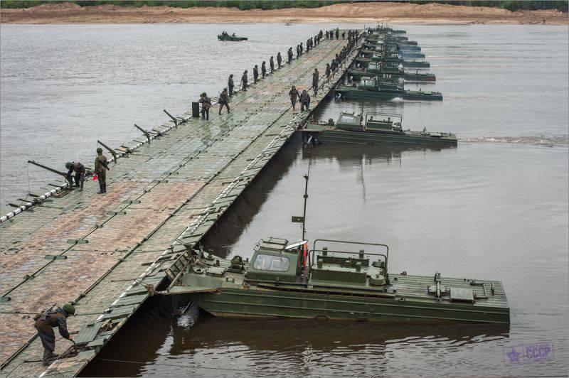 """""""Мост длиной 560 метров построен за 2 часа"""", - военные инженеры ВСУ провели учения по развертыванию понтонно-мостовой переправы - Цензор.НЕТ 5611"""