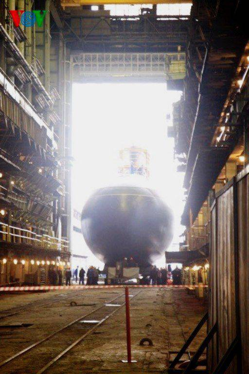 6-I submarine for Vietnam launched in St. Petersburg