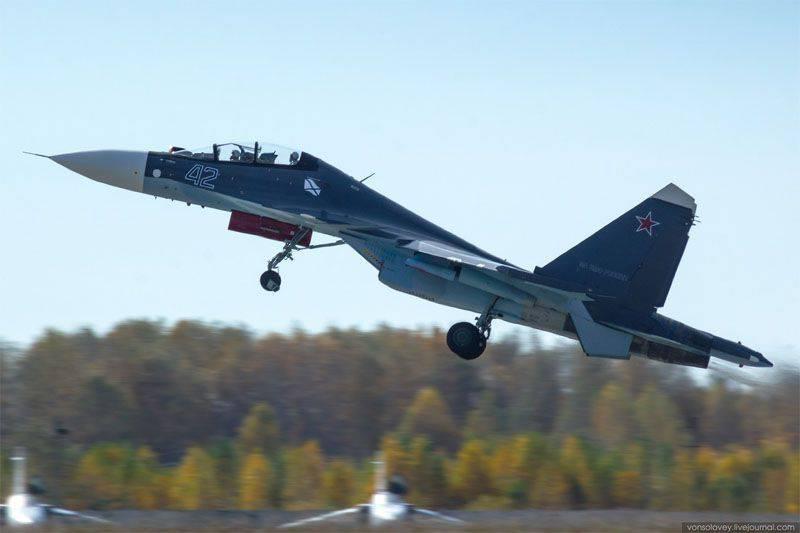 Altri tre Su-30СМ sono arrivati all'aeroporto di Saki (Crimea)