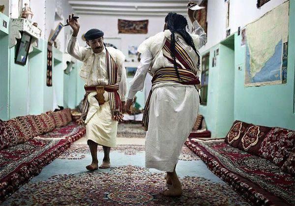 예멘은이란과 외교 관계를 단절했다.