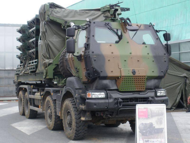 Kanada ordusu Fransız kamyonları Renault Kerax'ı satın aldı