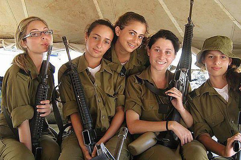 Países que permitieron a las mujeres luchar y matar (historia en 19 fotos)