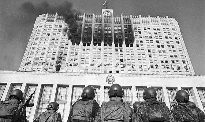 Black October 1993. Twenty-two years to shoot the House of Soviets