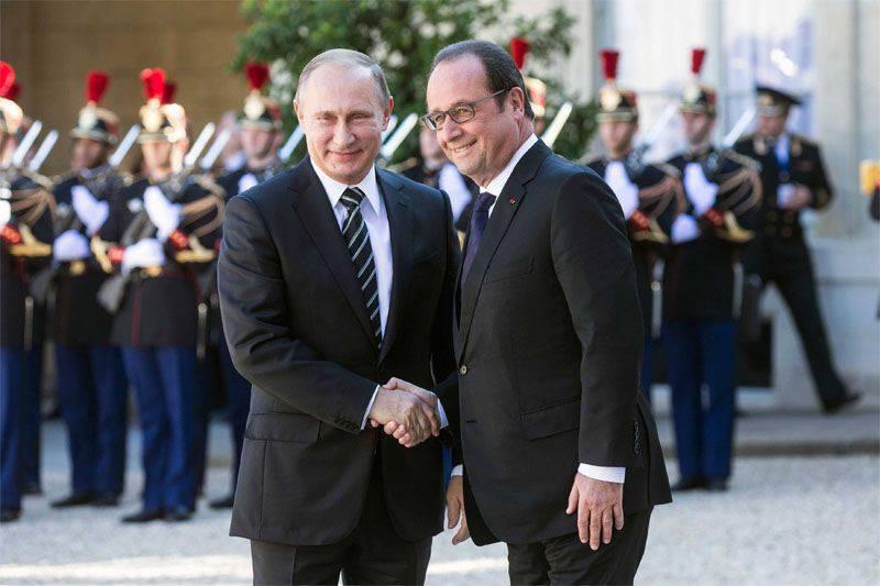 फ्रेंकोइस हॉलैंड ने यूरोपीय संघ की पूर्वी सीमाओं पर नाटो घटक को मजबूत करने के लिए पोलिश राष्ट्रपति के विचार का समर्थन नहीं किया