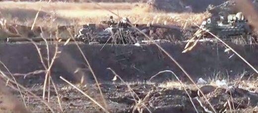 """Nas mãos do """"Exército Livre da Síria"""" caiu ucraniano, não tanques russos"""