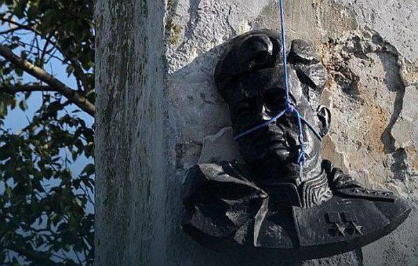 ポーランドの公的機関:近年、ソビエトの兵士解放者に捧げられた記念碑の約3分の1が国内で姿を消した