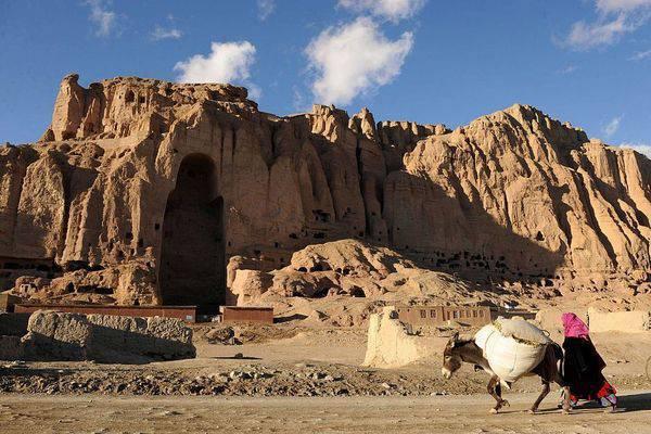 """对历史的战争。 武装分子""""IG""""摧毁了文化古迹"""