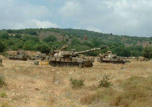 Die israelische Artillerie beschoss die Militärdepots der syrischen Regierungsarmee