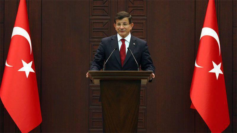 """Em Ancara, os embaixadores dos Estados Unidos e da Federação Russa foram chamados """"no tapete"""", disseram-lhes que era um tabu ajudar os curdos"""