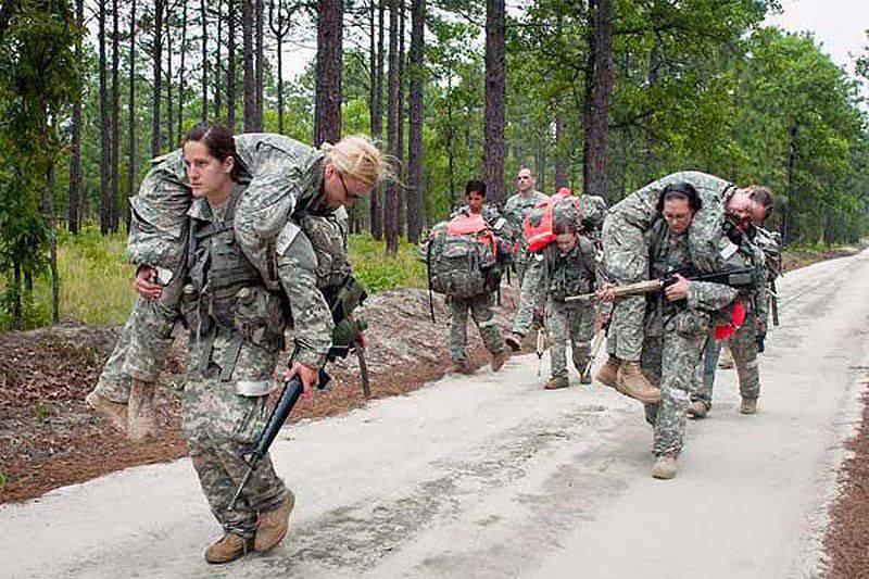 Esercito degli Stati Uniti apre artiglieria da campo per le donne (reportage nelle foto 15)