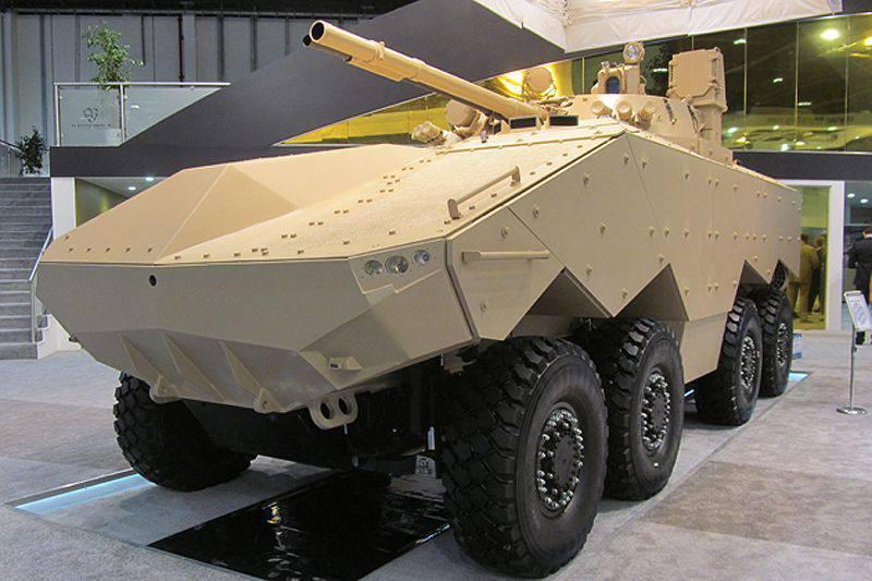 Os Emirados mostraram um segundo protótipo do seu veículo blindado Enigma.