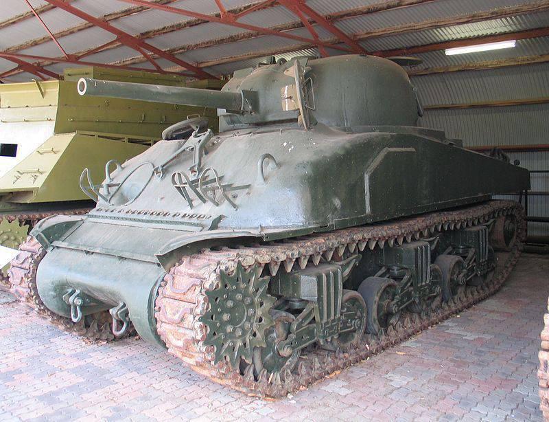Çölde ve ormanda: Savaşlarda ve tartışmada Anglo-Amerikan tankları (üçüncü kısım).