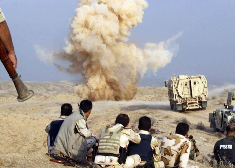 이라크의 친 정부 세력은 화학 무기를 사용할 ISIS 무장 세력의 공격을 중단했다.