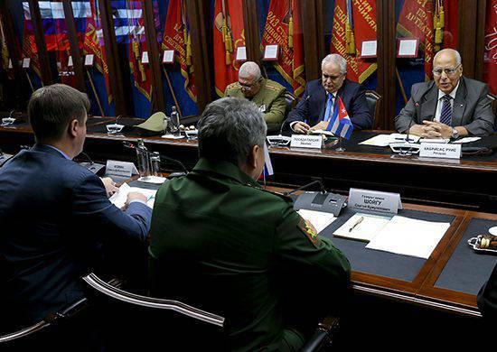 Sergei Shoigu와 Cuban 부총리 인 Riccardo Cabrisas는 각국의 군사 기술 협력에 관해 논의했다.