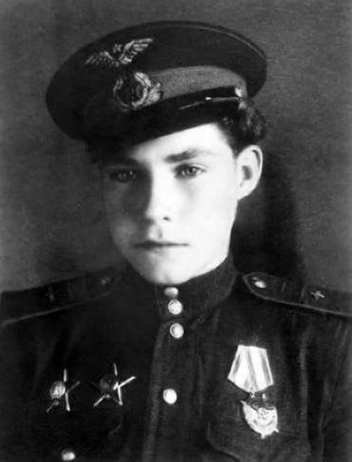 Le petit pilote Arkady Kamanin