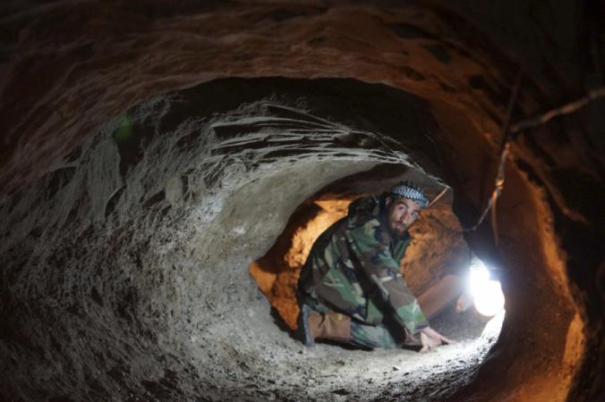 이슬람 국가 지하 전쟁 : 항공이 대처할 것인가?