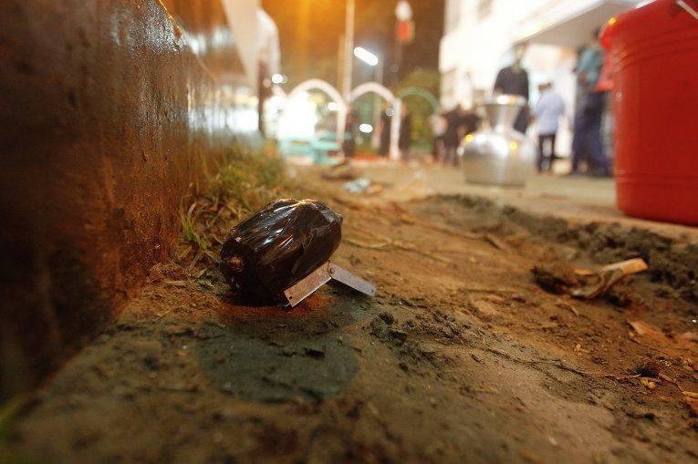 In Bangladesh, i credenti hanno lanciato bombe fatte in casa