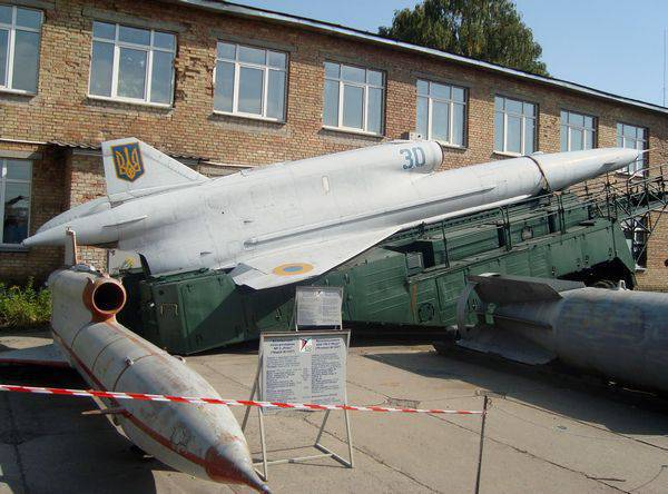 The territory of our common history. Aviation Museum in Kiev. The 3 part is final.