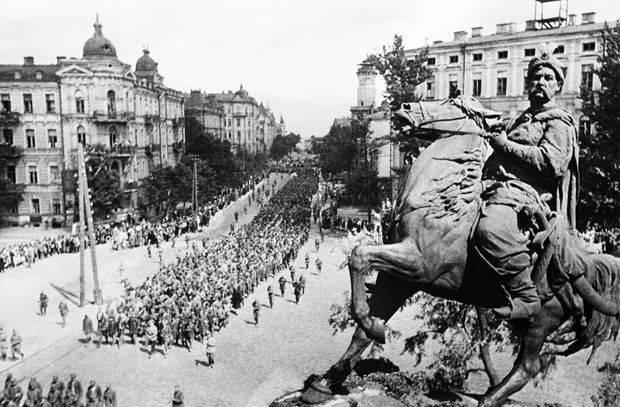 どのようにそして誰からウクライナが解放されたのか10月28 1944 of the year