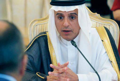 사우디 아라비아 외무 장관은 아사드가 떠나야한다고 말했다.