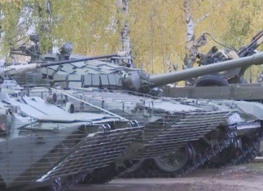 Belarusian military strengthened the protection of the BTR-80, T-72B and BMP-2