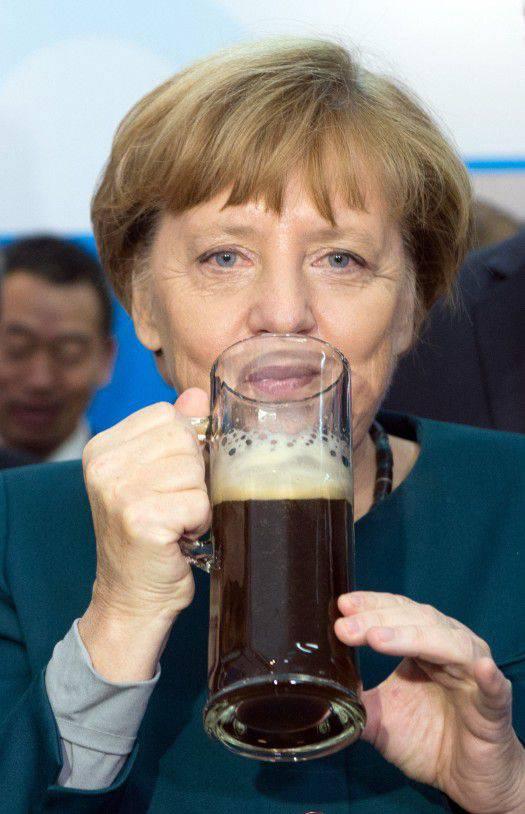 """Projekt """"ZZ"""". Der Fall von Angela Merkel lebt und gewinnt"""