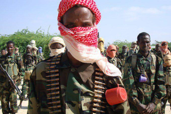 Reuters: Militantes da Al-Shabab atacaram cadetes das forças especiais na Somália, pessoas da 30 mortas