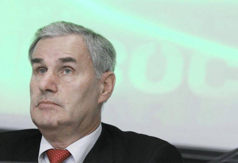 Premierminister gratulierte Bulawy-Entwickler Juri Solomonow zu seinem Jubiläum