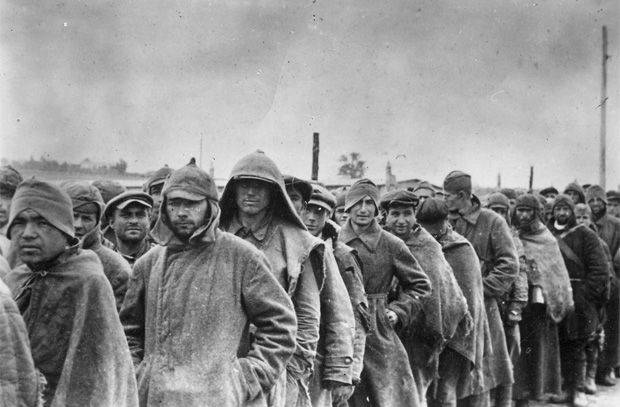 Red Army soldiers in Polish captivity