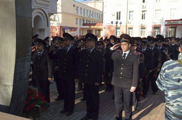 Novembro 10 - Dia do funcionário dos órgãos internos da Federação Russa