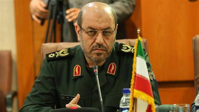 """Le ministre iranien de la Défense recommande à un collègue américain de """"revoir le comportement de Hooligan"""""""