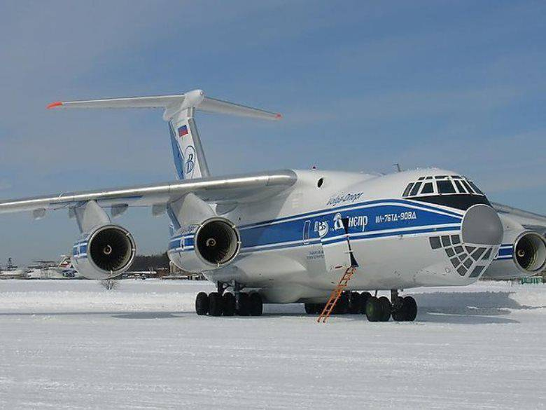In Antarctica, the IL-76TD-90ВД landed on the ice airfield for the first time.