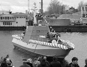 """""""一艘普通的坦克将穿过这样一艘船"""""""