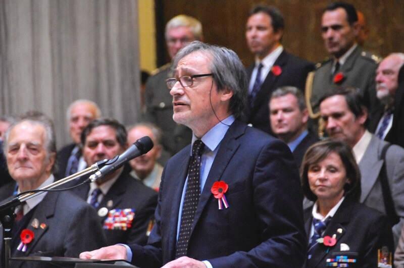 Der tschechische Verteidigungsminister erklärt sich bereit, der kurdischen Miliz mit Waffen und Munition zu helfen