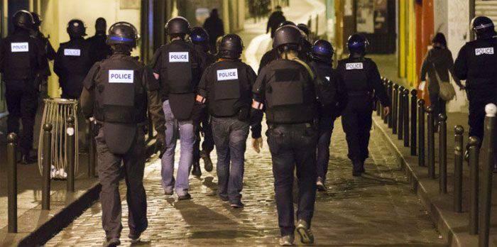 En Lyon francés, las personas 5 son detenidas bajo sospecha de estar involucradas en actividades terroristas