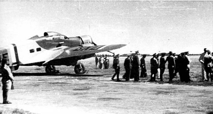 """三引擎鹰""""Reggia Aeronautics""""。 第三部分。 在第二次世界大战的天空"""