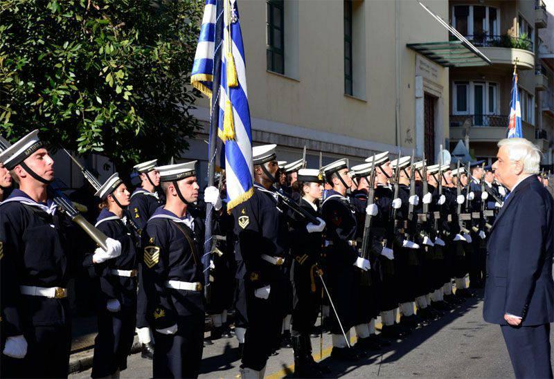 그리스 : 그리스 방공이 그리스 영공의 모든 위반에 대해 터키 항공기를 격추 시키면 터키 공군은 더 이상 항공기를 갖지 않게됩니다