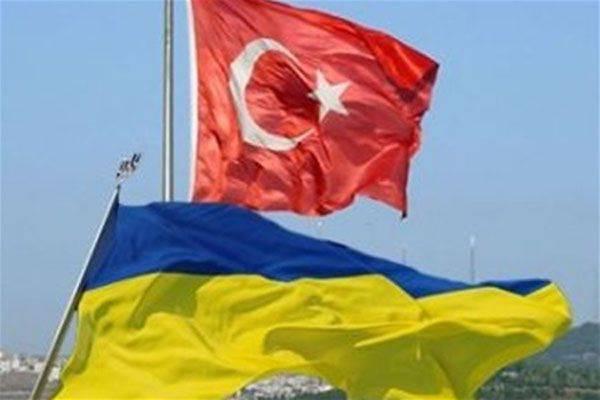 """Ucraina e Turchia hanno deciso di """"sviluppare la sicurezza"""" nel Mar Nero"""