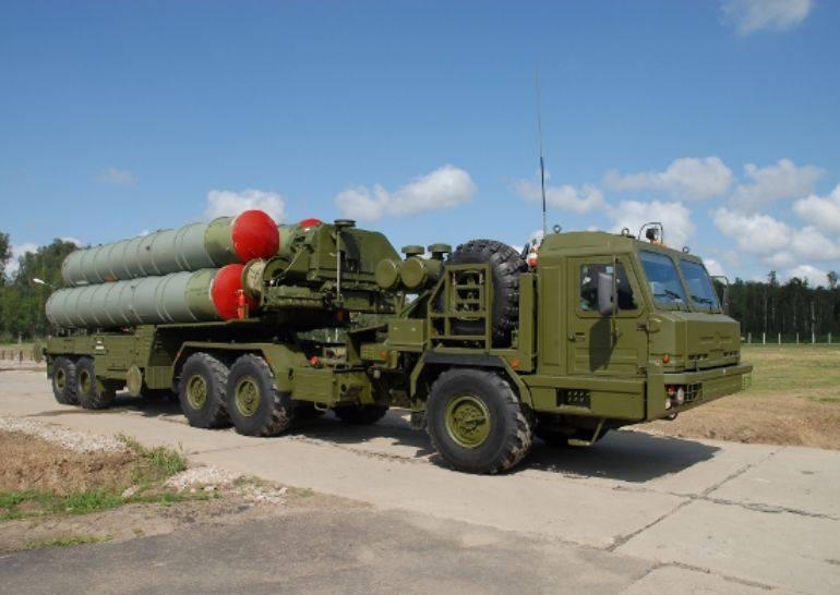 CNN: sistema russo C-400 cobrirá completamente o céu da Síria para aviões turcos