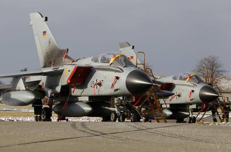 Bundeswehr은 의회의 명령이 시리아에서 작전을 시작할 때까지 기다리고있다.
