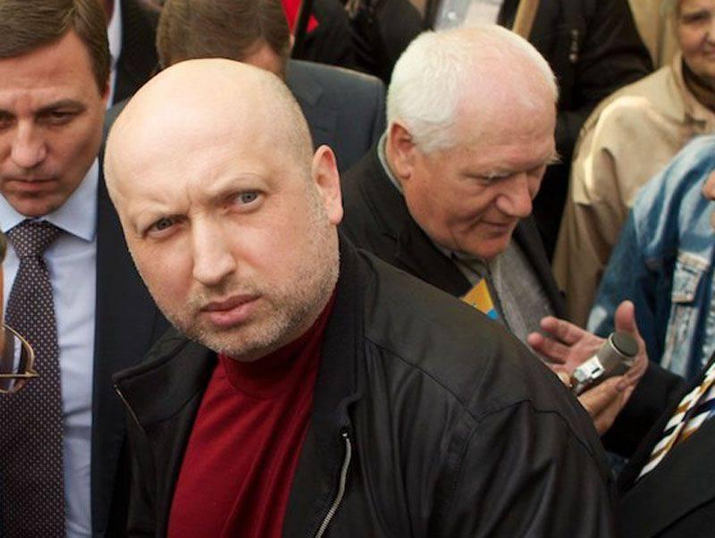 Turchinovは、モスクワによる新しい移住規則の導入後のロシアからのウクライナ人の帰国は、ウクライナとヨーロッパにとって危険だと述べた。