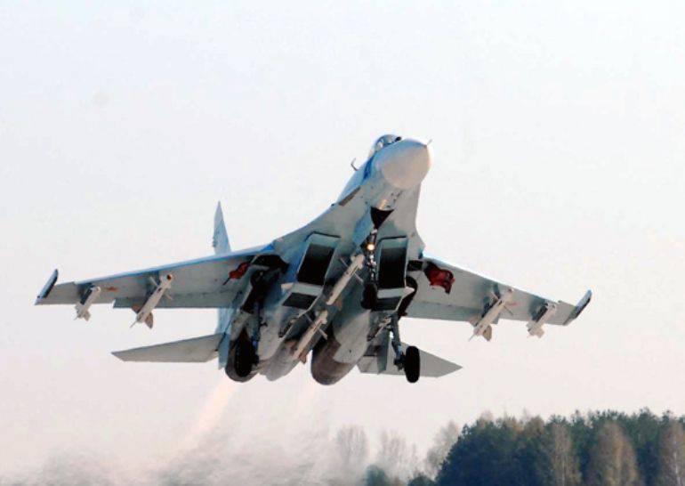 Kamçatka'daki hava alayı, yeni savaşçılarla sistematik olarak geri adım atıyor.