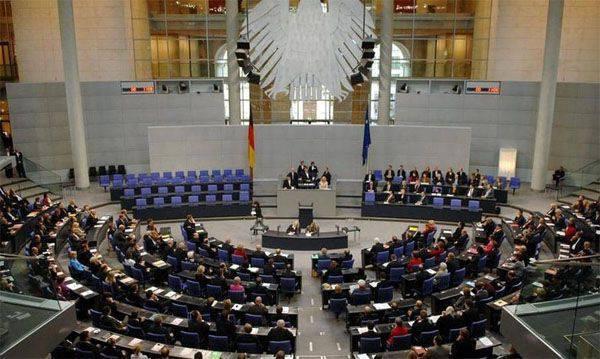"""El Bundestag permitió a las fuerzas armadas alemanas unirse a la """"coalición antiterrorista"""" en Siria e Irak"""