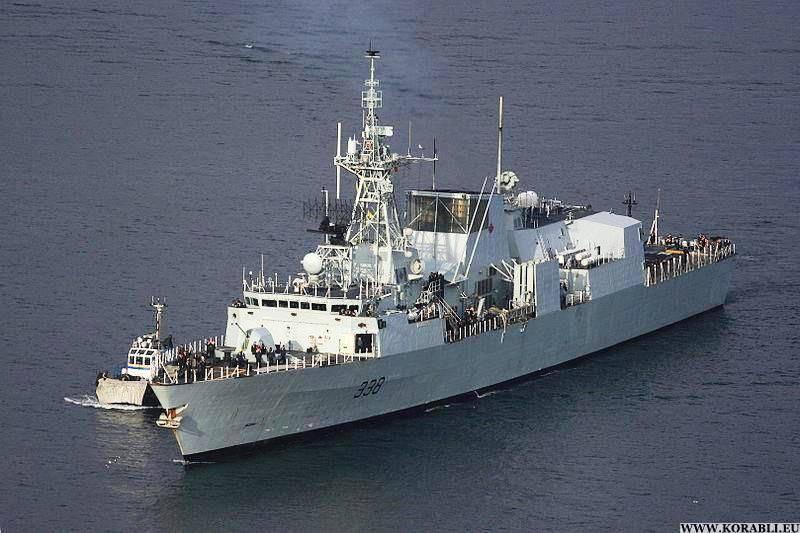 Un grupo de naves de la OTAN abandonó el Bósforo.