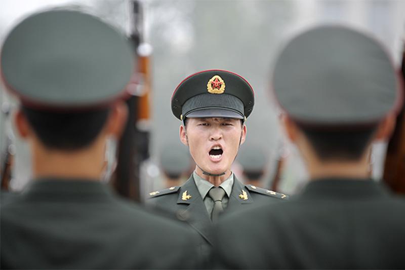 """중국의 """"비밀""""군사 지출 (10 사진의 역사)"""