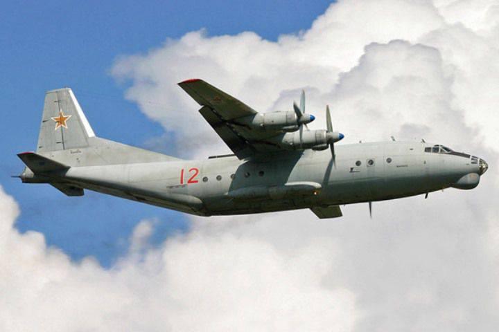"""运输航空ZVO的工作人员在列宁格勒地区制定""""阿富汗""""起飞和降落"""