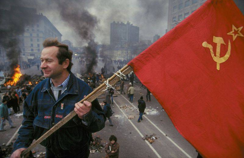 Is Russia Revolutionary or Russia Without Revolutions?