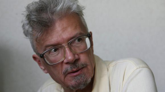 Der Schriftsteller und Politiker Eduard Limonov - darüber, wie politische Eliten ihre Nation betrügen