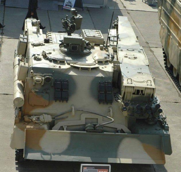 기갑 차량 BREM-80U